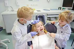Как подготовить ребёнка к первому визиту к врачу стоматологу