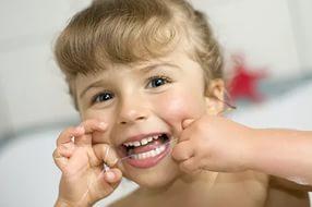 Как сохранить зубы и дёсны ребенка здоровыми